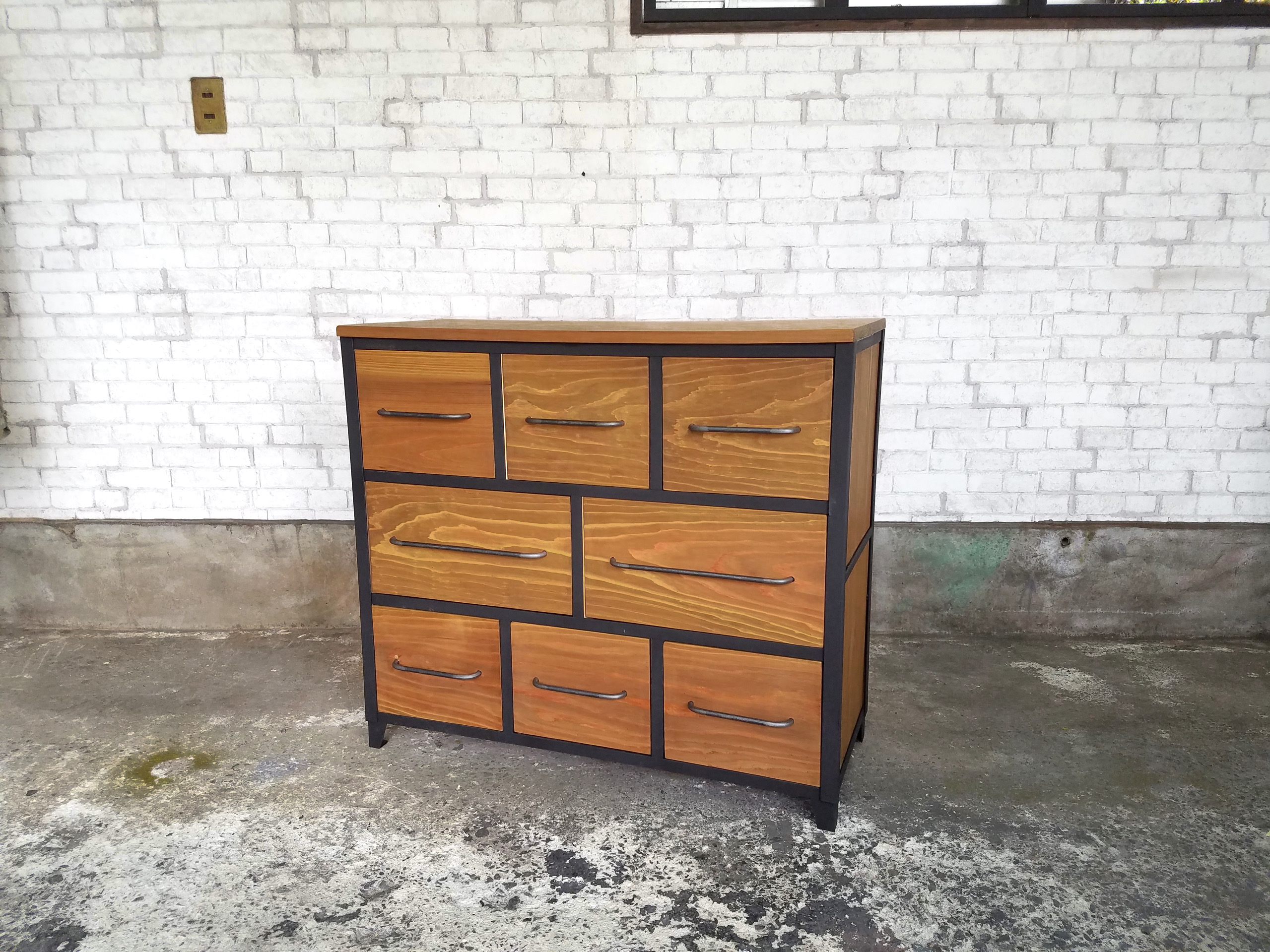 Industrial 8drawers chest の画像